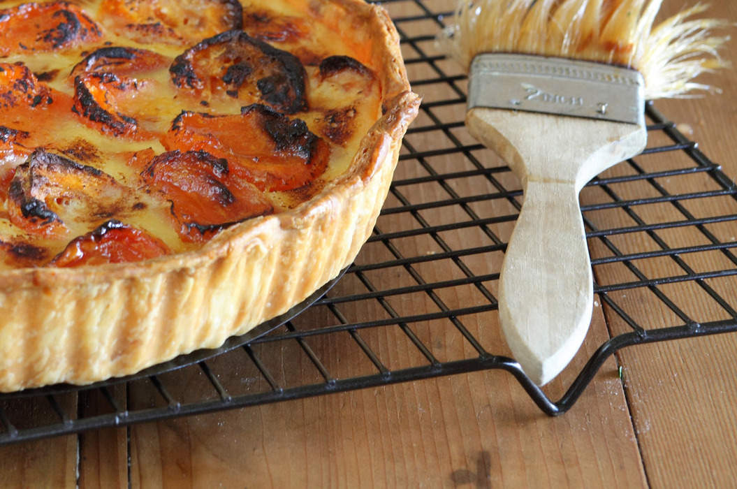 Dried_apricot_tart_with_verjuice_and_honey__misc_massive