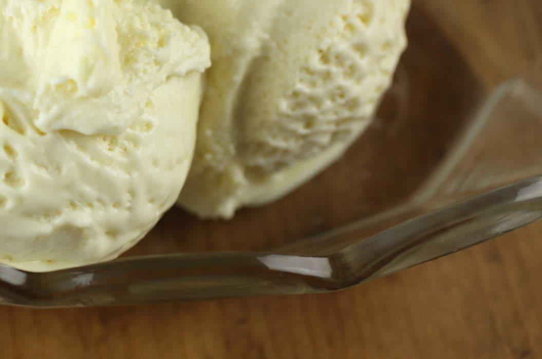 Extra_virgin_olive_oil_and_verjuice_ice_cream_misc_massive