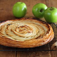 Fine_apple_tart_with_verjuice_and_honey_recipes_thumbnail