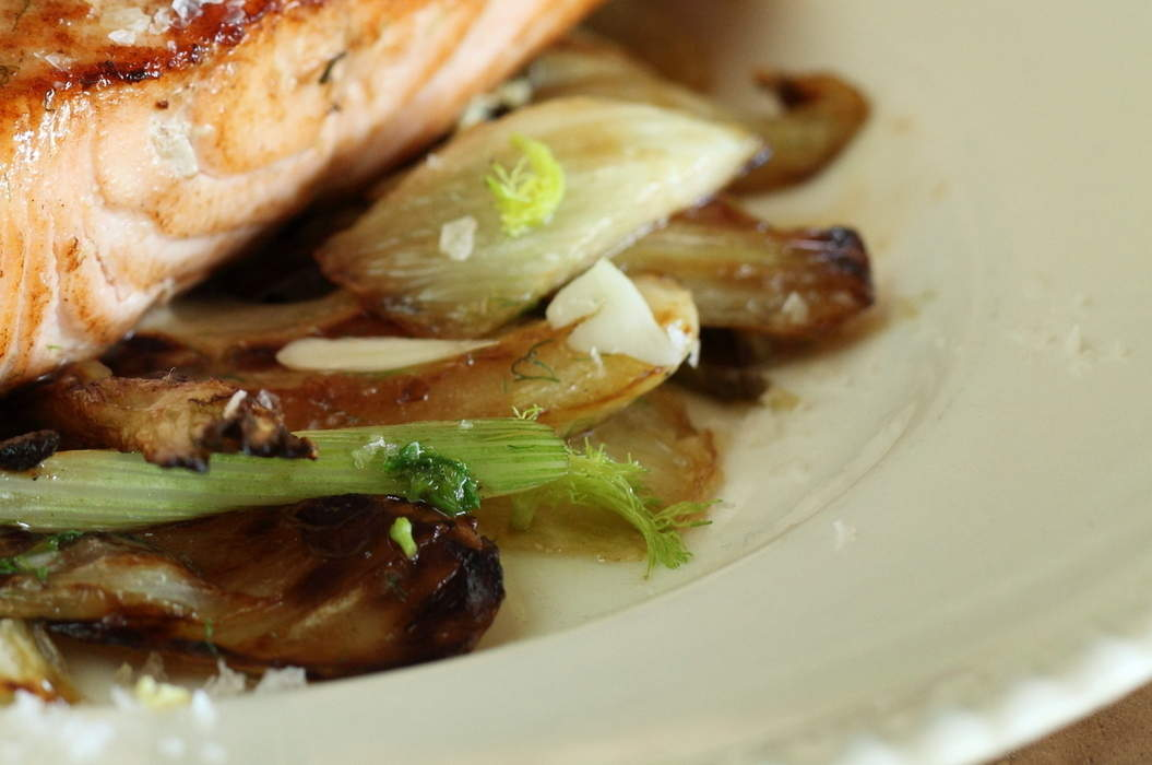Pan_fried_salmon_with_fennel_misc_massive