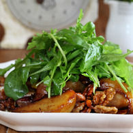 Baked_pear_salad_with_belly_bacon_and_walnuts_recipes_thumbnail