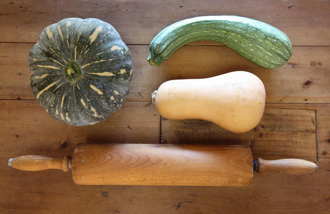 Rolling_pin_pumpkin_zucchini_misc_massive_sw