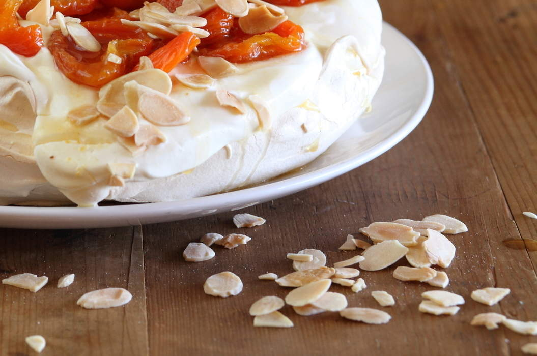Pavlova_with_dried_apricots_and_almonds_misc_massive