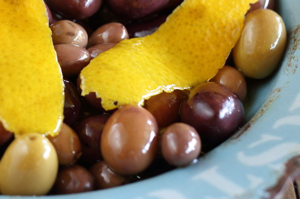 Mixed_olives_with_orange_and_rosemary_misc_massive