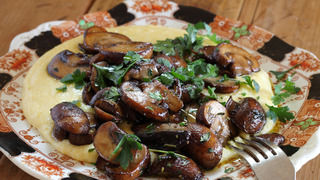 Soft Polenta with Sauteed Mushrooms