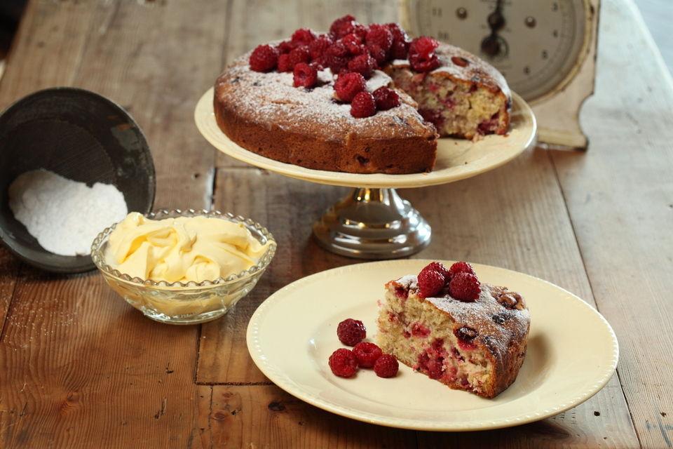 Fresh Raspberry Cake With Sangiovese Verjuice Syrup