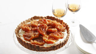 Mascarpone Tart with Peaches in Sangiovese Verjuice