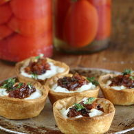 Goats_cheese_tarts_preserved_lemon_and_currant_chutney_2501_recipes_thumbnail
