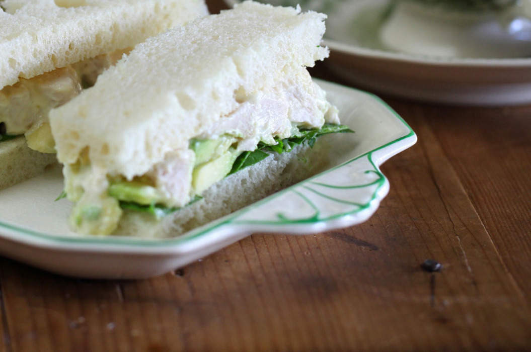 Chook_and_avocado_sandwich_with_verjuice_mayonnaise_misc_massive