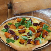 Pumpkin_pizza_with_olives_bocconcini_recipes_thumbnail